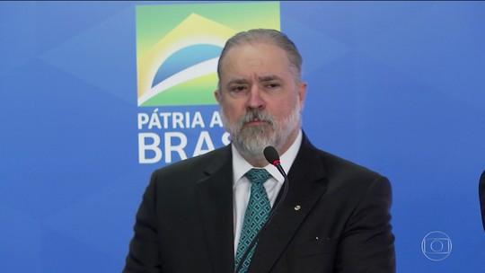 Augusto Aras toma posse, diz que atuará com 'independência' e pautará gestão no diálogo