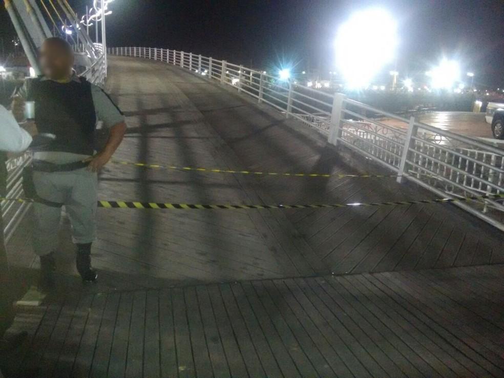 Crime ocorreu na noite desta terça-feira (17), no Centro de Rio Branco; passarela chegou a ser interditada (Foto: Arquivo Pessoal)
