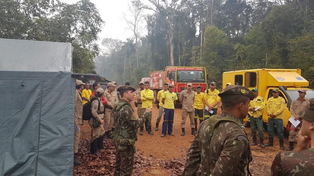 Exército e Prevfogo atuam em reserva no combate de incêndios — Foto: 17ª Brigada/Divulgação