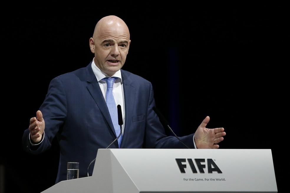Candidato Gianni Infantino discursa durante congresso da Fifa — Foto: Patrick B. Kraemer/Keystone via AP