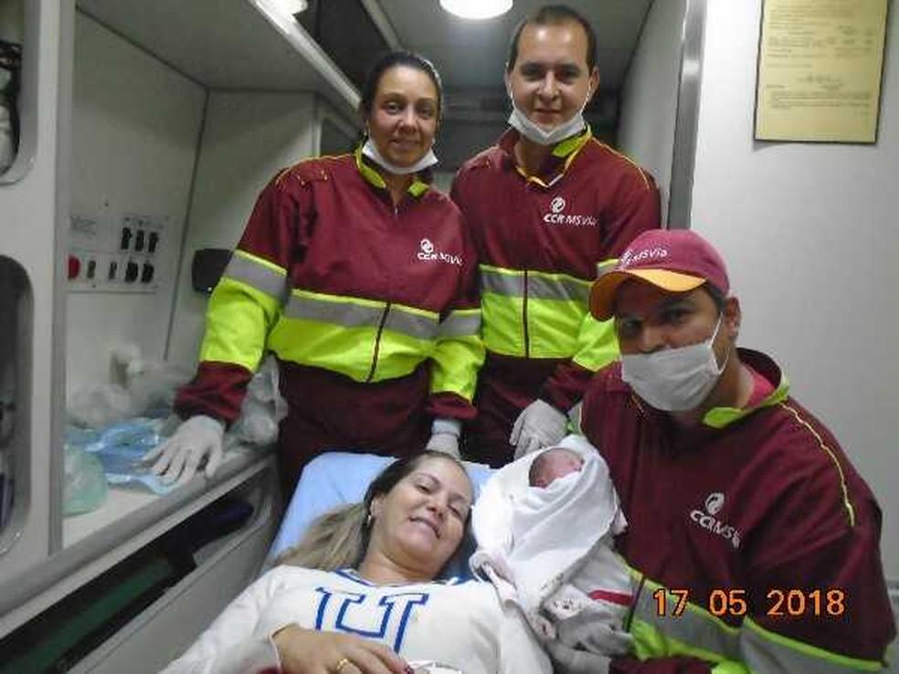 -  Equipe de saúde fez o parto de Luiza numa base operacional na BR-163  Foto: CCR / Divulgação