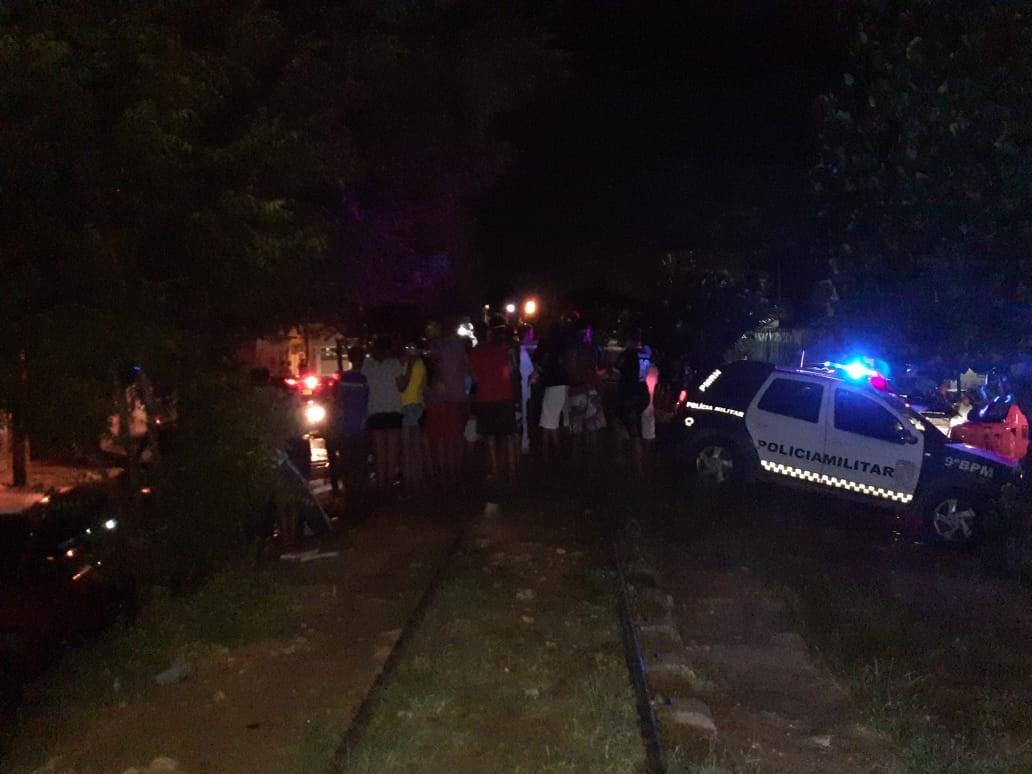 Duas mulheres e um homem são assassinados a tiros na Zona Oeste de Natal