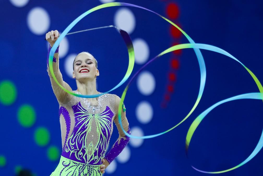 Com 15 anos, Karine Walter fez sua estreia em Mundiais (Foto: Ricardo Bufolin/CBG)