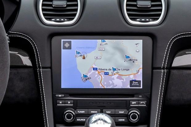 Central multimídia tem 7 polegadas e é compatível apenas com o Apple CarPlay (Foto: Divulgação)