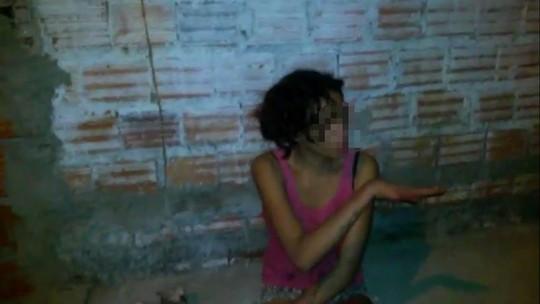 Adolescente de 14 anos usa faca para esquartejar cães e filma ato no Piauí