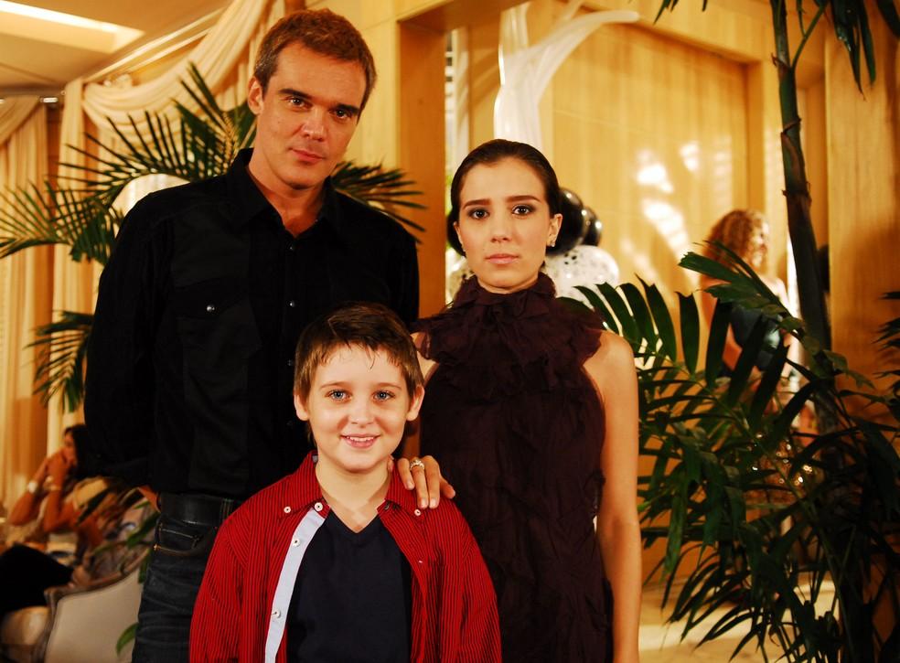 Dalton Vigh, Marjorie Estiano e Gabriel Sequeira na novela 'Duas caras' — Foto: Globo/Marcio de Souza