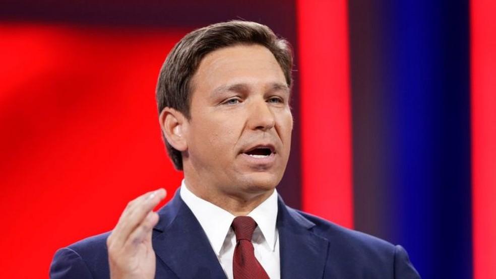 O governador da Flórida, Ron DeSantis, acredita que sua estratégia contra a Covid-19 está sendo bem-sucedida — Foto: Reuters