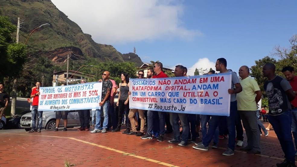 Motoristas de aplicativos fazem manifestação por melhores condições de trabalho em Belo Horizonte — Foto: Elton Lopes/TV Globo