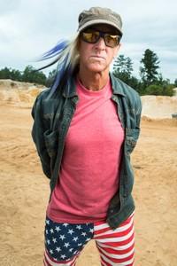 O piloto de piloto de corridas de caminhão Glen Plake está no elenco do programa Mostros sobre Rodas (Foto: Divulgação)