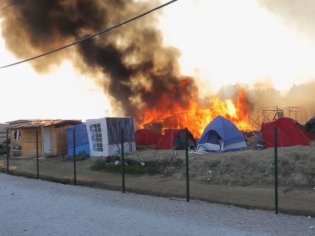 Briga em centro de imigrantes na França deixa 40 feridos