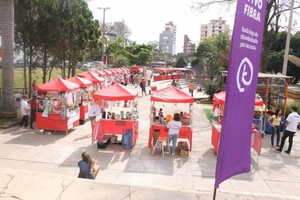Associação dos Pequenos Produtores da Agricultura Familiar de Divinópolis  confirma retomada da feira na Praça do Santuário | Centro-Oeste | G1