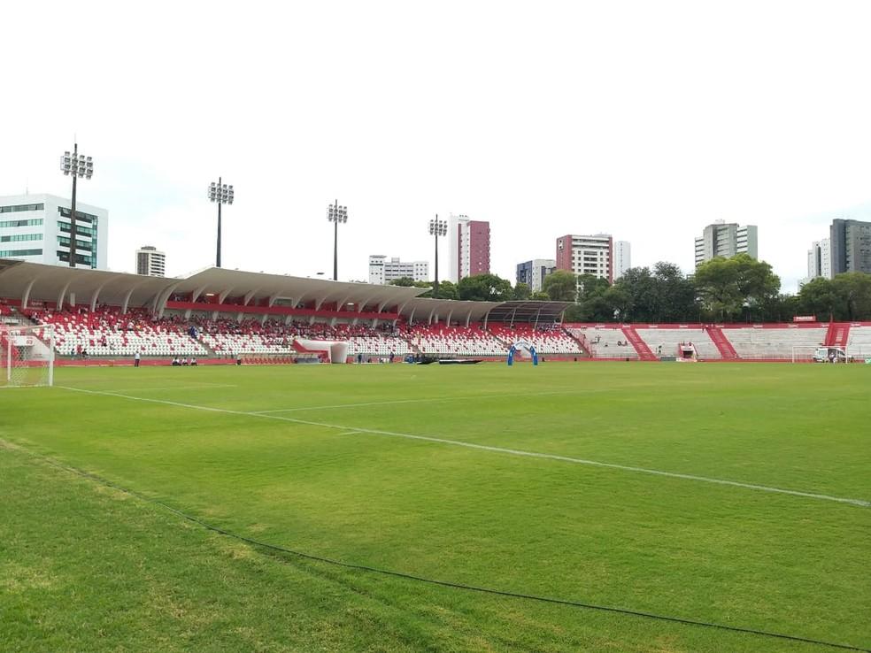 Estádio dos Aflitos é o palco do clássico de domingo — Foto: André Laurent/TV Liberal