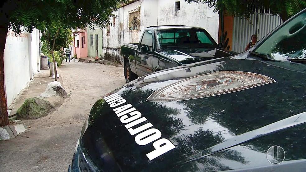 Após a surra, o rapaz foi socorrido ao hospital e preso  (Foto: Inter TV Cabugi/Reprodução)