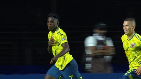 Colômbia sofre contra o Catar, mas vence com gol no fim