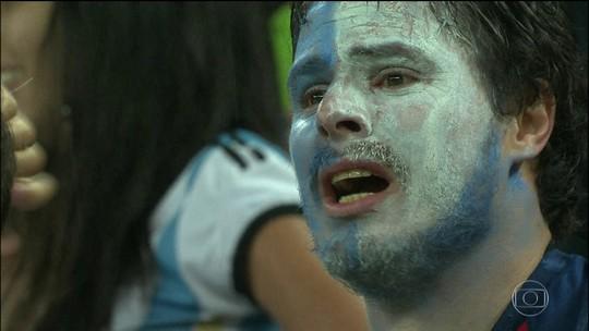 Argentina começa novo ciclo da seleção sem Messi, sem técnico, sem rumo