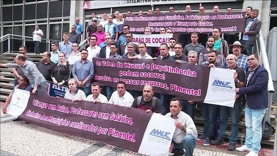 40 prefeitos protestam contra atrasos de repasses do governo de MG