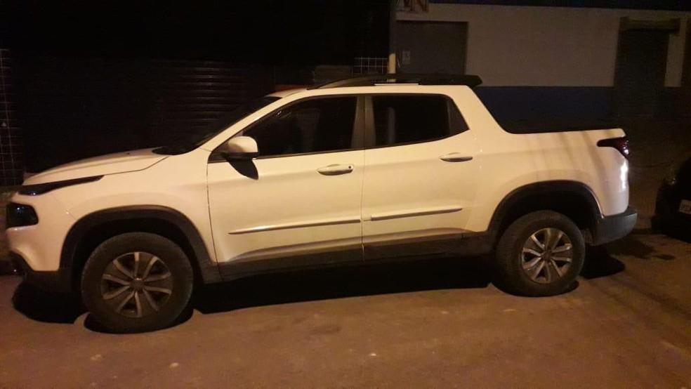 Carro foi roubado duas horas antes de os três homens serem presos no Recife — Foto: Polícia Civil/Divulgação