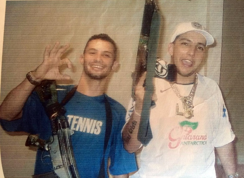 Guarabu e Gil: amigos de infância e parceiros no tráfico de drogas — Foto: Reprodução