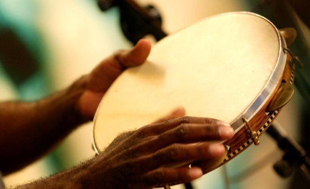 Grupo curitibano abre inscrições para oficina gratuita de percussão; veja como se inscrever