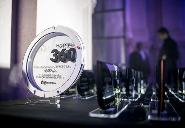 Troféus criados pelo designer Ronald Sasson especialmente para o 360° (Foto: Keiny Andrade/Época NEGÓCIOS)