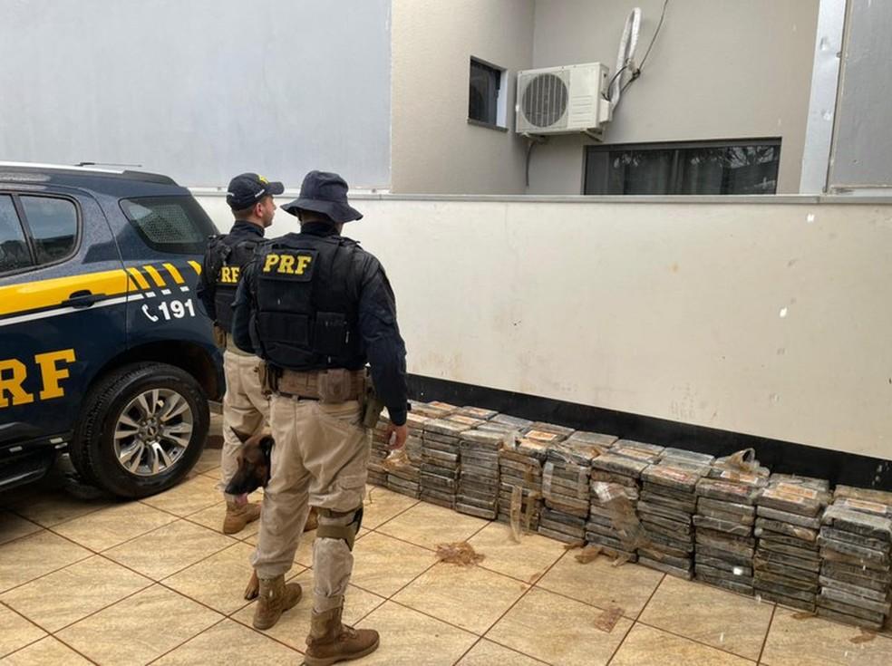 Motorista é preso em MT com 435 kg de cocaína que seriam levados até SP — Foto: Polícia Rodoviária Federal de Mato Grosso