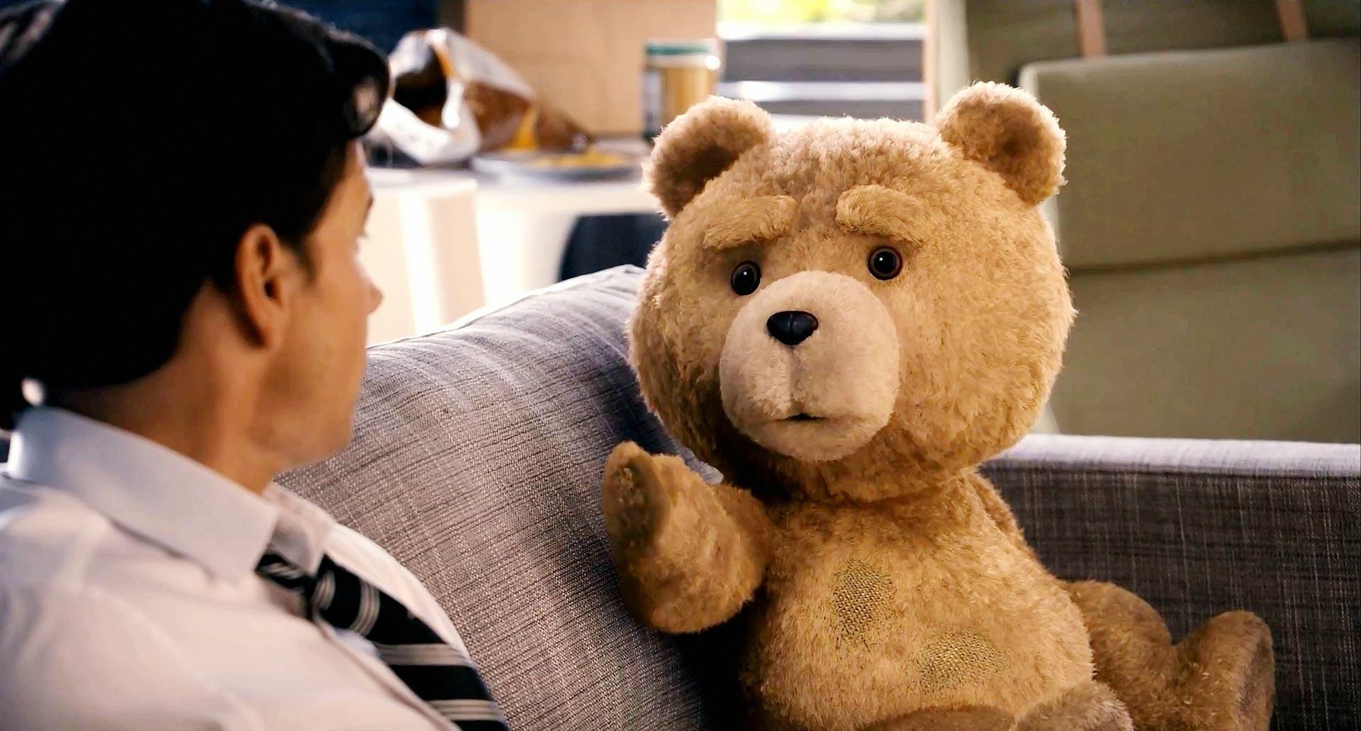Ted aborda a amizade de um humano com um ursinho de pelúcia (Foto: Divulgação)