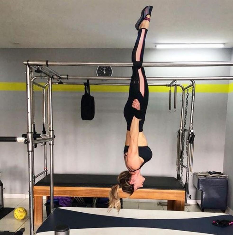 Karina Lucco na aula de pilates — Foto: Reprodução da Internet