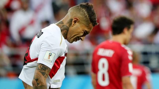 Guerrero entrou no segundo tempo e quase fez um golaço, mas Peru acabou sendo derrotado pela Dinamarca