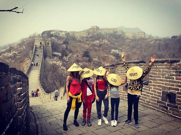 Heidi Klum com os filhos na China (Foto: Reprodução/Instagram)