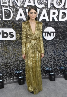 Natalia Dyer, de Saint Laurent