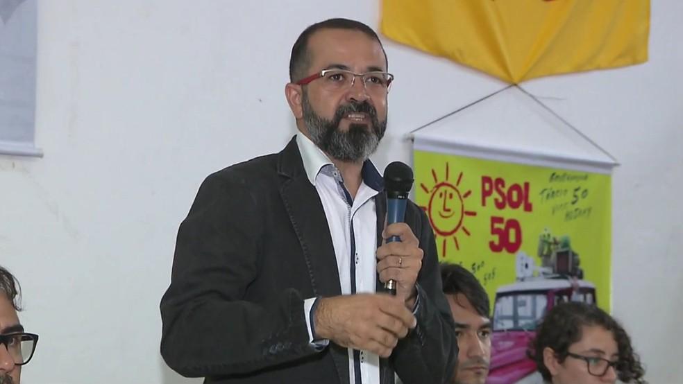 Tárcio Teixeira foi oficializado como candidato do PSOL ao Governo da Paraíba durante convenção realizada em João Pessoa (Foto: TV Cabo Branco/Reprodução)