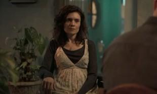 Na segunda-feira (20), Leila (Arieta Corrêa) dirá para a polícia que Magno (Juliano Cazarré) matou o irmã de Betina (Isis Valverde) | Reprodução