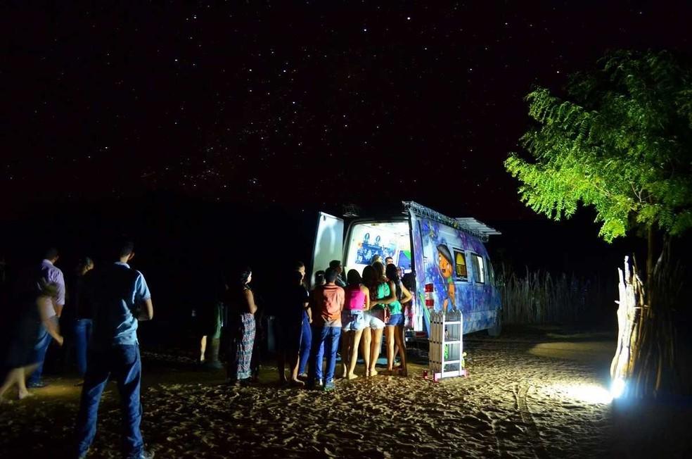Cinema itinerante é movido a energia solar (Foto: Divulgação)