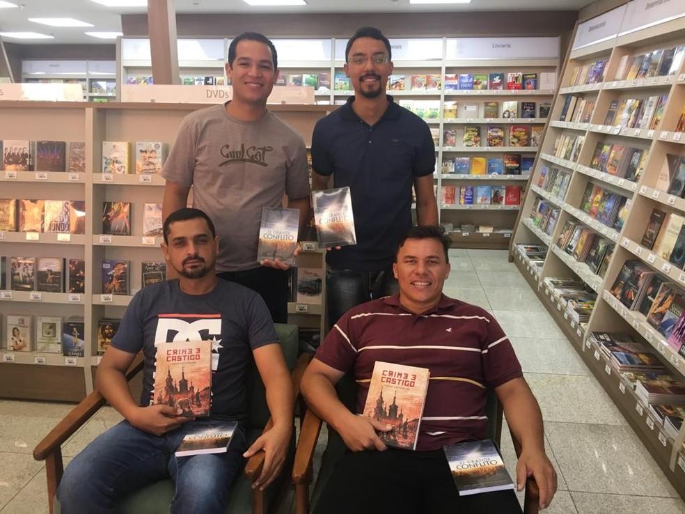 Ex-detentos criam clube do livro em Brasília — Foto: Victor Gomes / G1 DF
