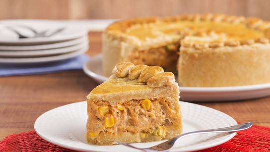 Surpreenda os convidados com uma receita de torta de frango