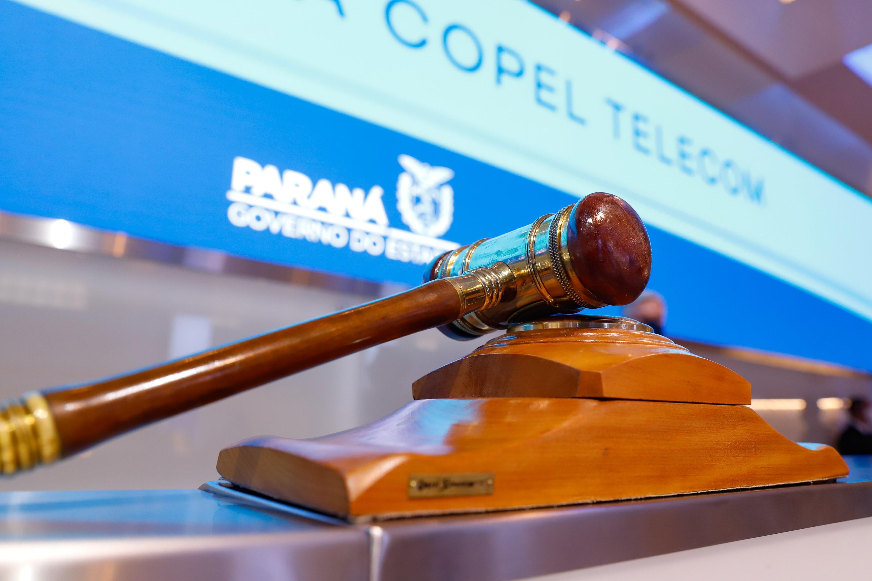 Venda da Copel Telecom é concluída após pagamento de R$ 2,5 bilhões, diz governo