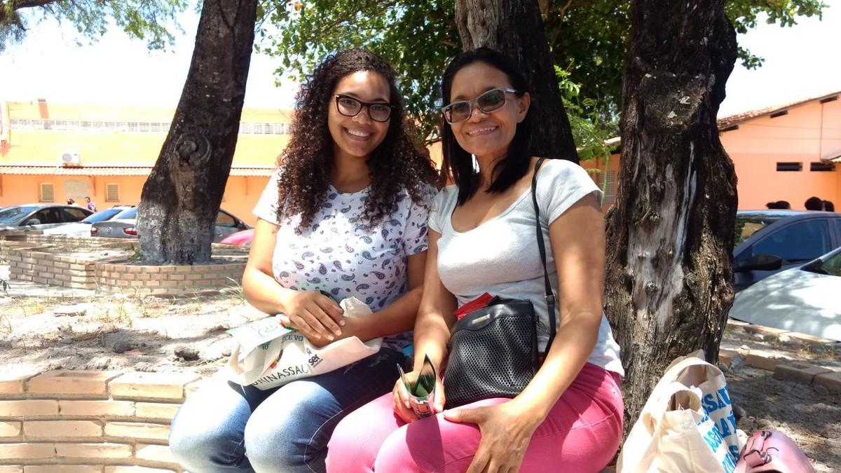 Mãe e filha fazem Enem juntas em Maceió