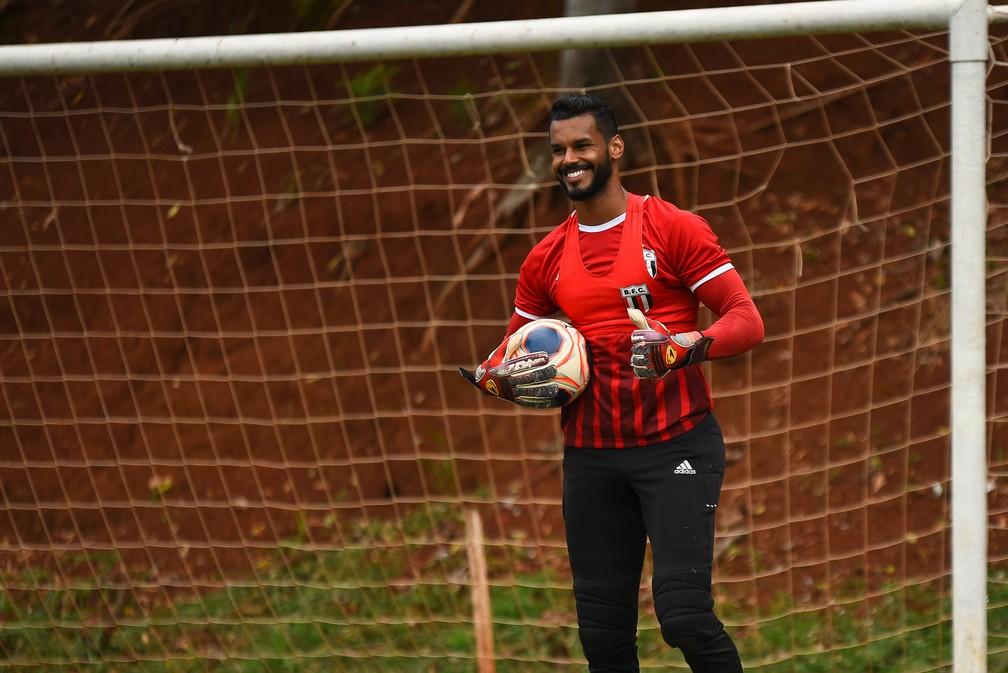 Darley em treino do Botafogo — Foto: Luan Porto/Agência Botafogo