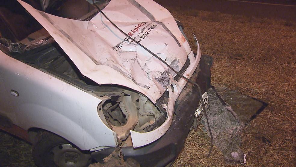 Estrago no carro que atropelou ciclista (Foto: TV Globo/Reprodução)