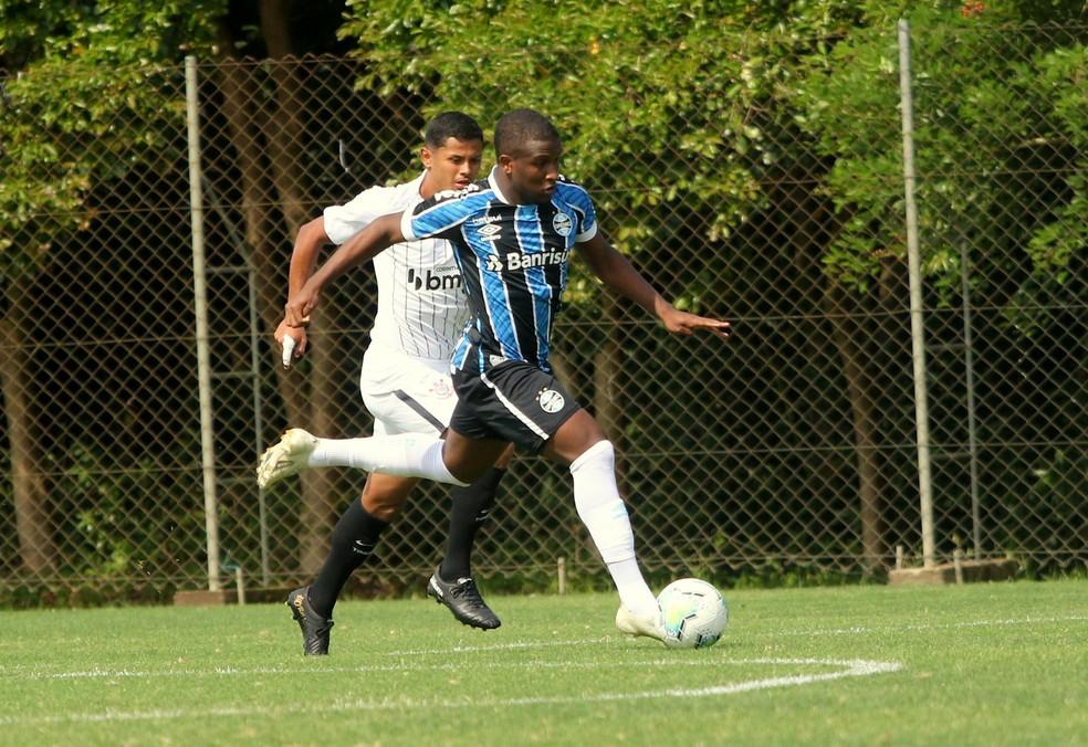 Elias é nome pedido pela torcida desde o destaque na Copa São Paulo de 2020 — Foto: Rodrigo Fatturi/Grêmio