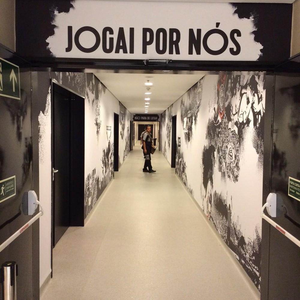 Terceira camisa do Corinthians fará referência às invasões da torcida alvinegra; veja detalhes
