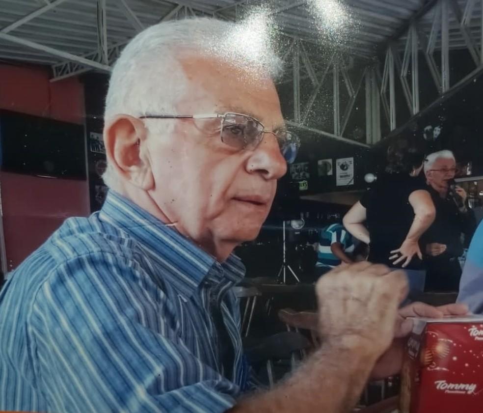Agenor Farias trabalhou como radialista por mais de 50 anos em Caruaru — Foto: Divulgação