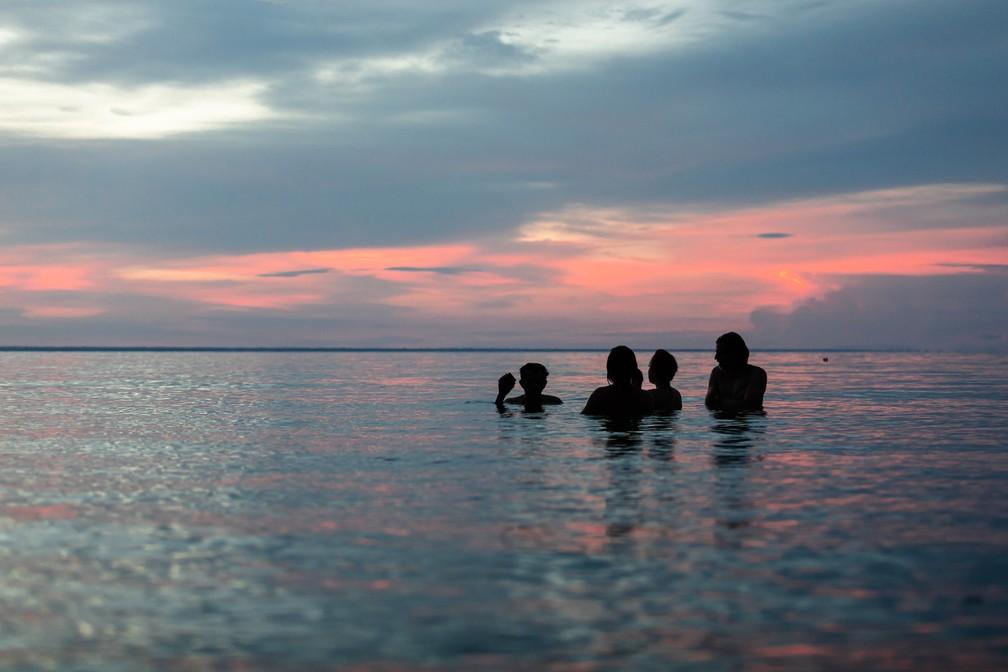 O pôr do sol no Rio Tapajós — Foto: Marcelo Brandt/G1