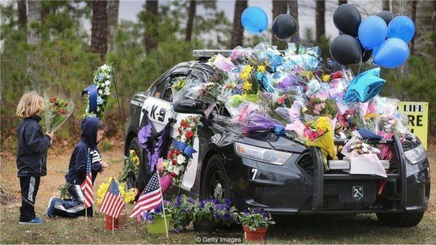 O policial Sean Gannon, de Massachussetts, foi morto em abril enquanto cumpria um mandado (Foto: GETTY IMAGES via BBC)