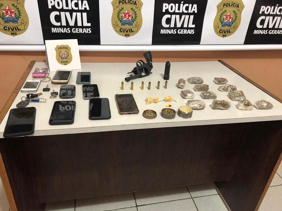 Materiais foram apreendidos com os suspeitos — Foto: Polícia Civil/Divulgação