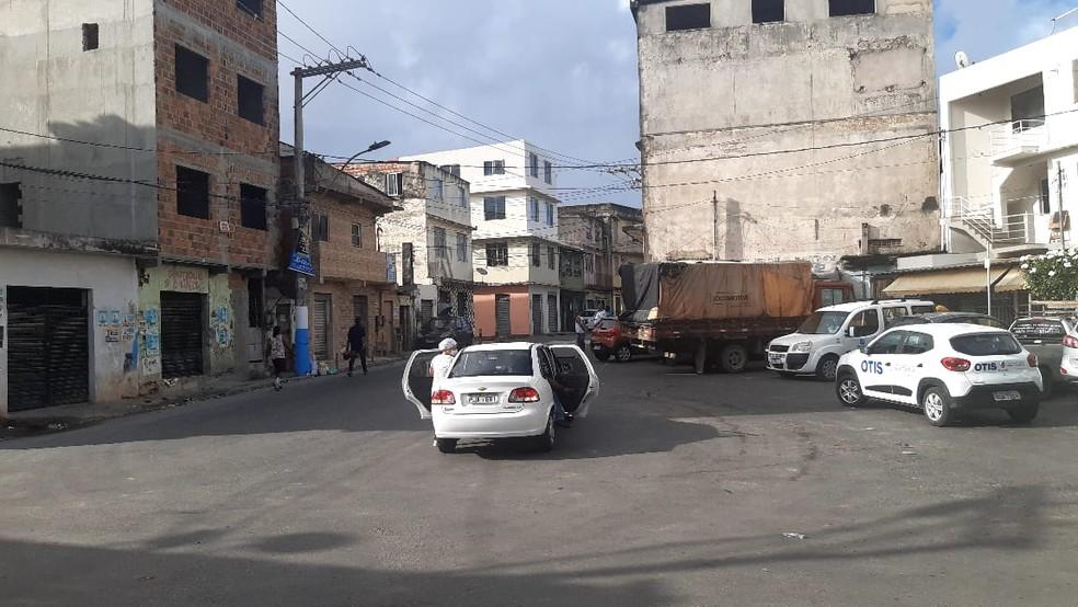 Final de linha da Capelinha de São Caetano, em Salvador — Foto: Adriana Oliveira/TV Bahia