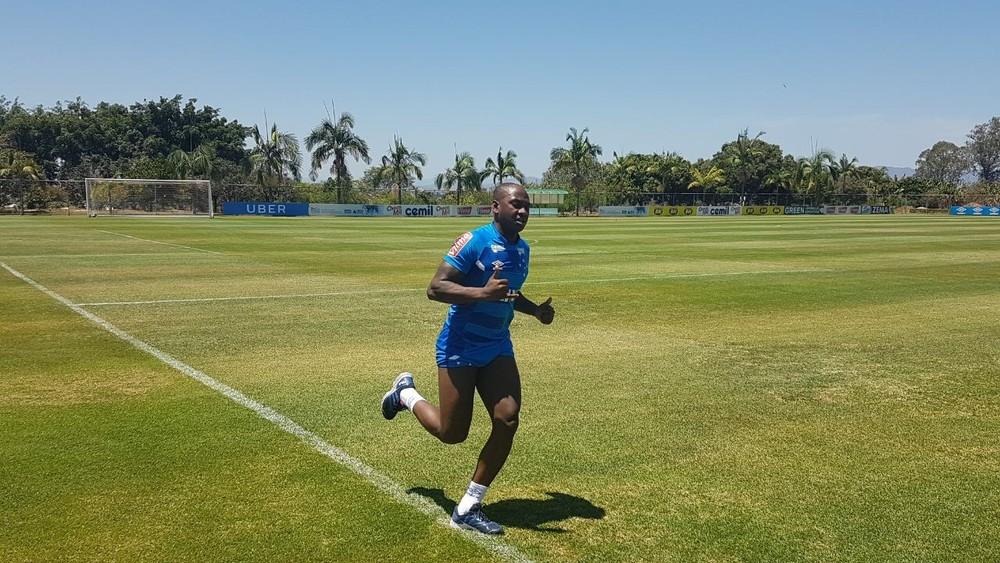 Após um mês, Cruzeiro informa lesão de Sassá, que terá de passar por cirurgia