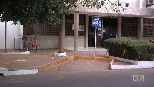 Motoristas desrespeitam vagas de estacionamento especiais em Imperatriz