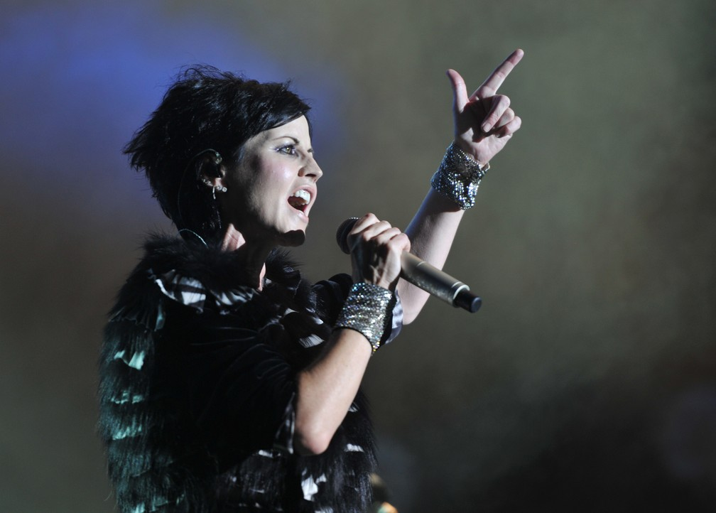 Dolores O'Riordan, do Cranberries, em show de 2016 (Foto: GUILLAUME SOUVANT / AFP)