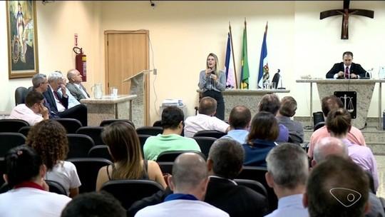 Funcionamento de farmácias 24 horas é discutido em Linhares